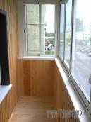 Ремонт балкона. Обшивка вагонкой и 2 слоя лака.